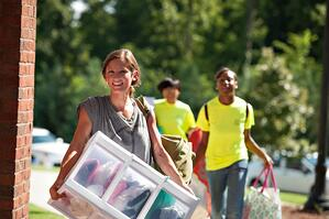 Female_Resident_Move-In_Day